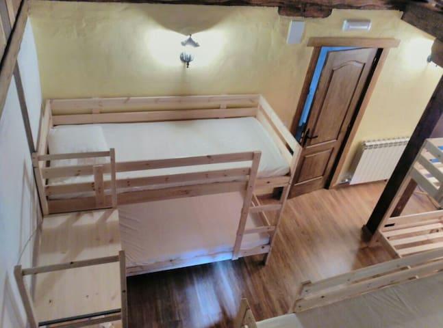 Habitación para 6 personas - Bustancillés - Bed & Breakfast