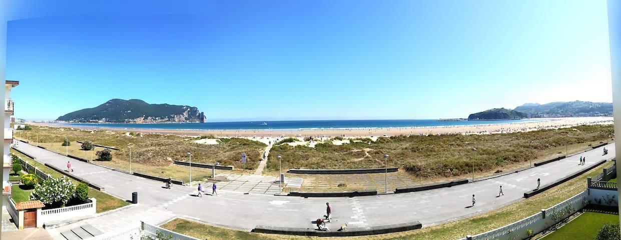 Apto en primera linea de playa
