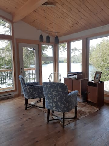 Haliburton Cottage,Bunkie, Great Swimming,Privacy
