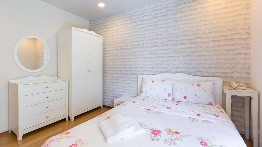 2Bedroom Apartment w PoolView#BaanSansuk Condo-HBE - Tambon Nong Kae - Apartment