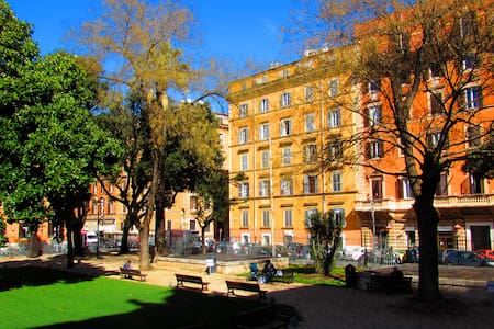 Termini Guesthouse b&b close to Colosseo - Roma - Bed & Breakfast