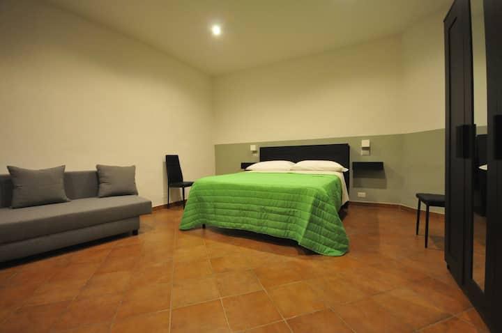 Camera matrimoniale bagno priv. centro Siena verde
