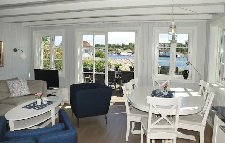 Holiday cottage with 3 bedrooms on 70m² in Flekkerøy