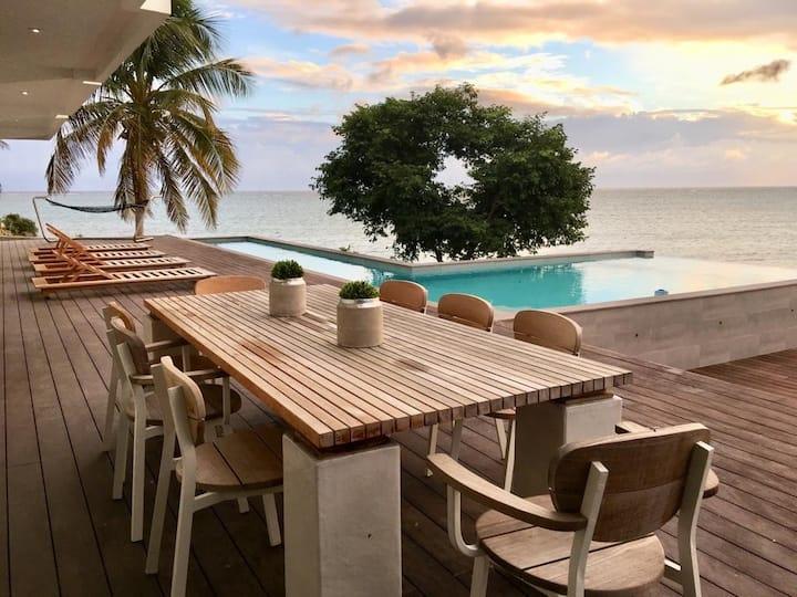 Villa Mariposa Private Luxury Beach Waterfront