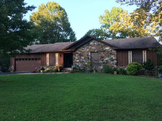 Lake House in Cove for Privacy/Pet Friendly/WiFi