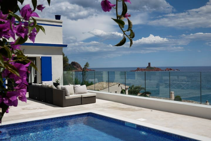 Villa- French Riviera with breathtaking sea views!