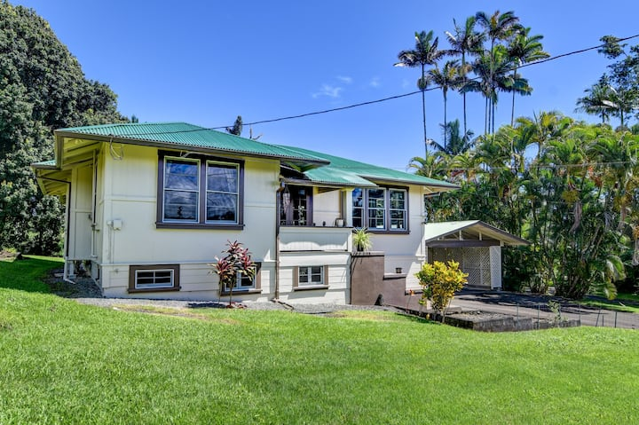 Spacious Historic Estate ~ 5 min walk to Hilo/Bay