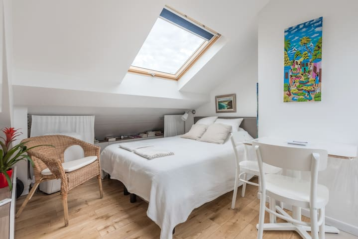 Lovely studio, two steps from Paris Center