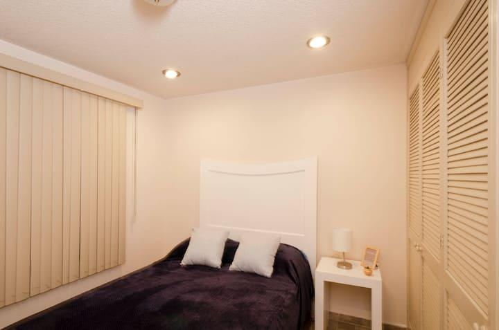 El Portal - Acogedora habitación céntrica blanca 1