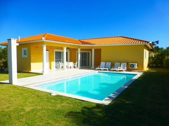 New guest friendly villa in oceanfront resort