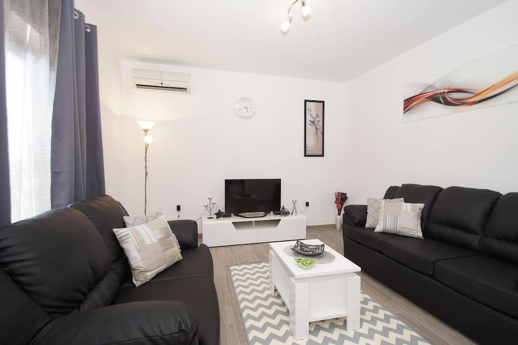 Living room 1, Surface: 18 m²