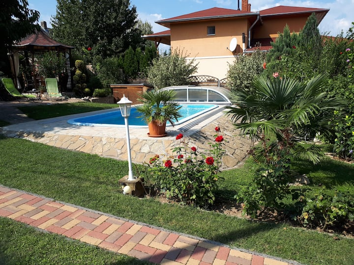 Holiday Balaton🏝 Apartment+Pool für 2 Erw.+1 Kind
