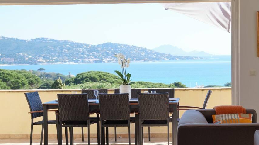 Villa avec piscine, vue mer panoramique