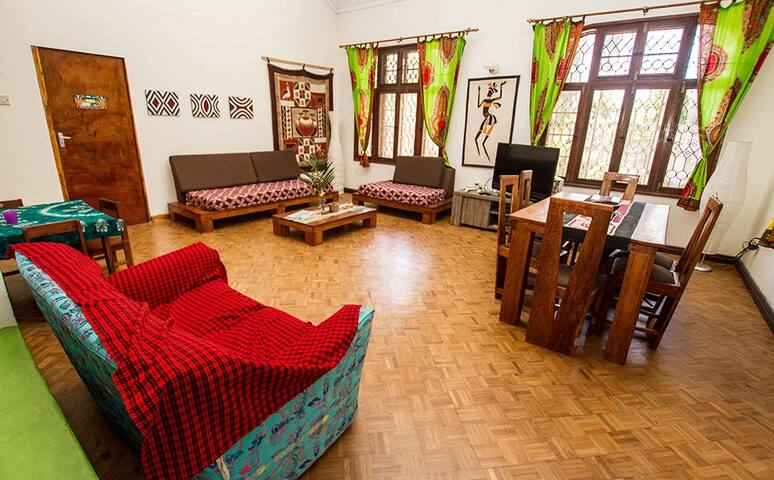 Cosy, clean room for you (MWEZI)