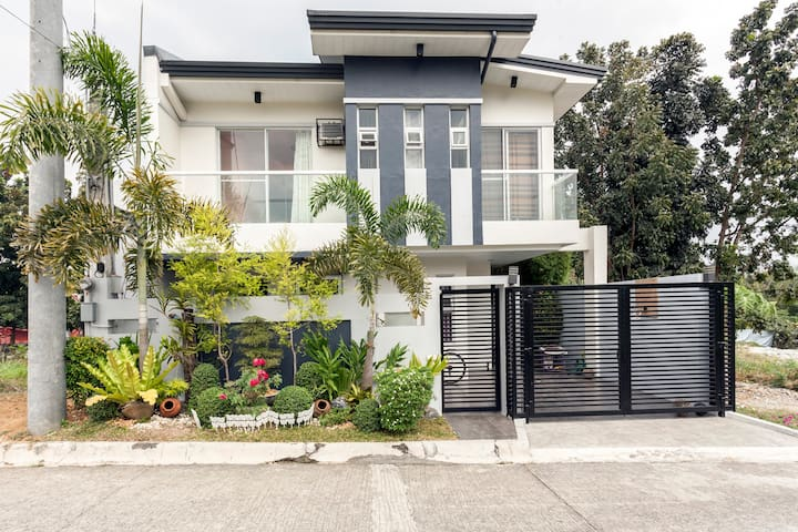 best stay w/fully furnished house - Quezon City - House