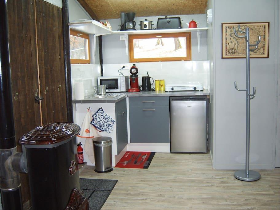 romantic private studio smoky hill vieuw castle tiny. Black Bedroom Furniture Sets. Home Design Ideas