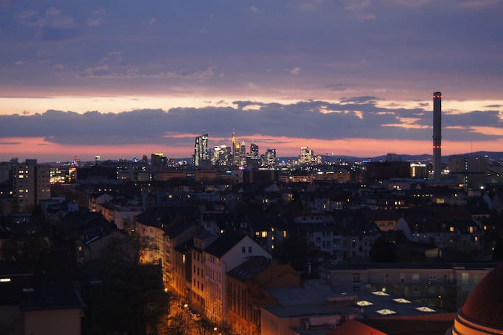 Penthouse feeling in perfect location - Offenbach am Main - Apartment
