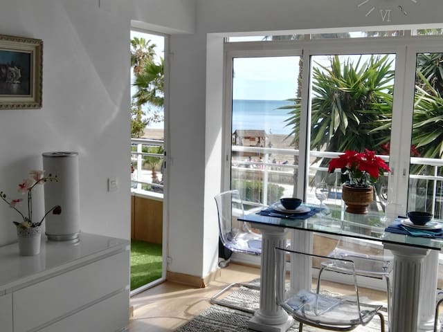 NEW BEACH CENTER MALAGA MAGNIFICENT APARTAMENT MAR - Málaga - Huoneisto