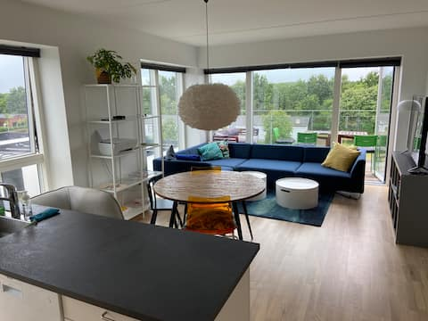 Ny lækker bolig med altan - nær KBH og Roskilde