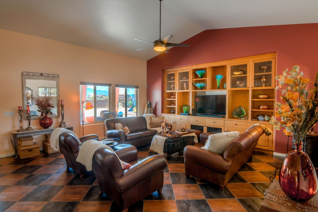 Great Room - Leather Seating and Southwest Decor