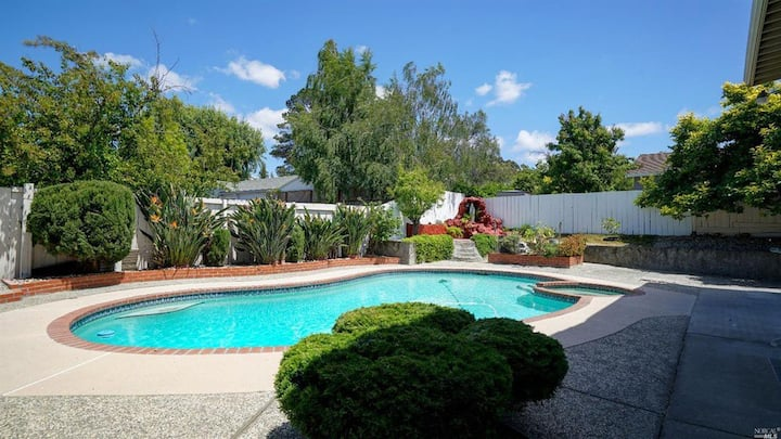 Home away from home with big pool and spa