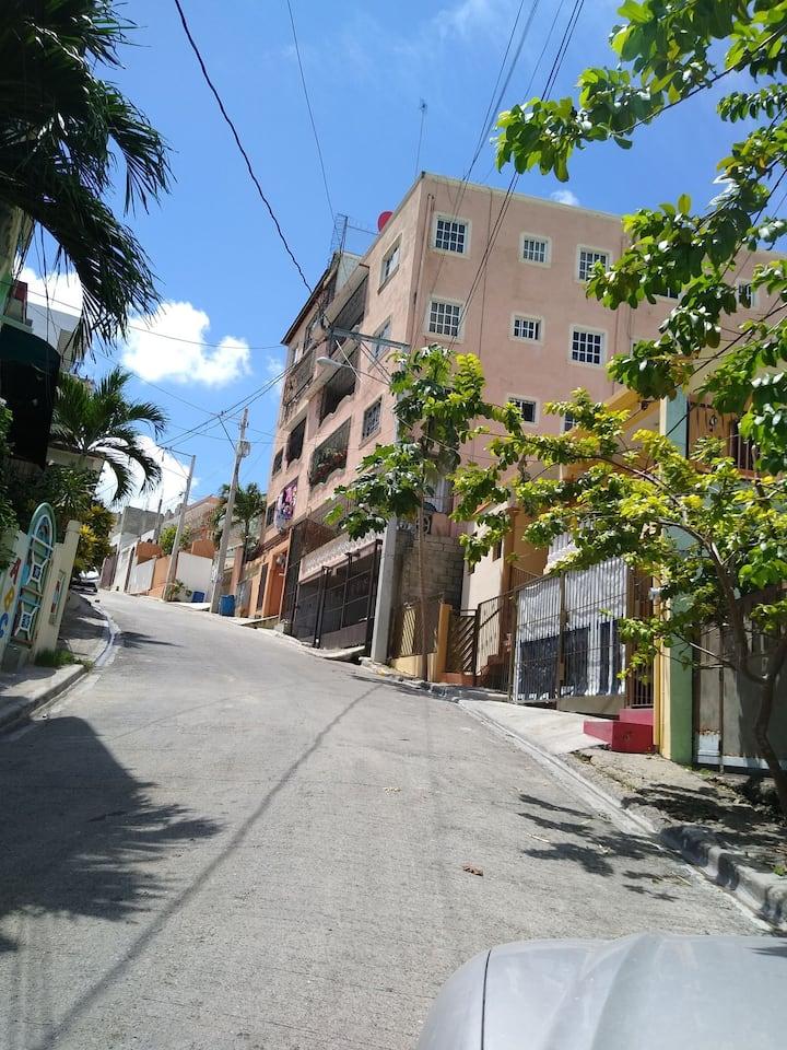 Apartamento de 2 cuartos amueblad en Sto Dgo oeste