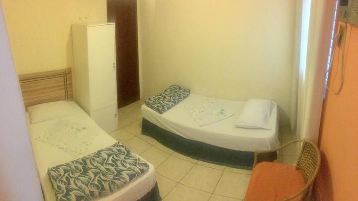 Suíte Privativa duas camas solteiro