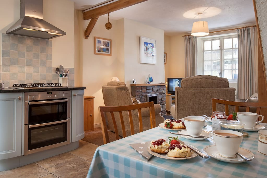 Cosy, pet friendly St. Christopher's Cottage