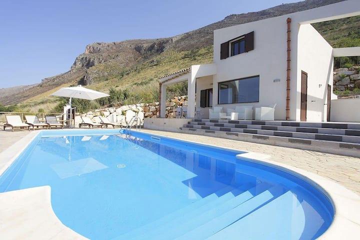 Villa Belly