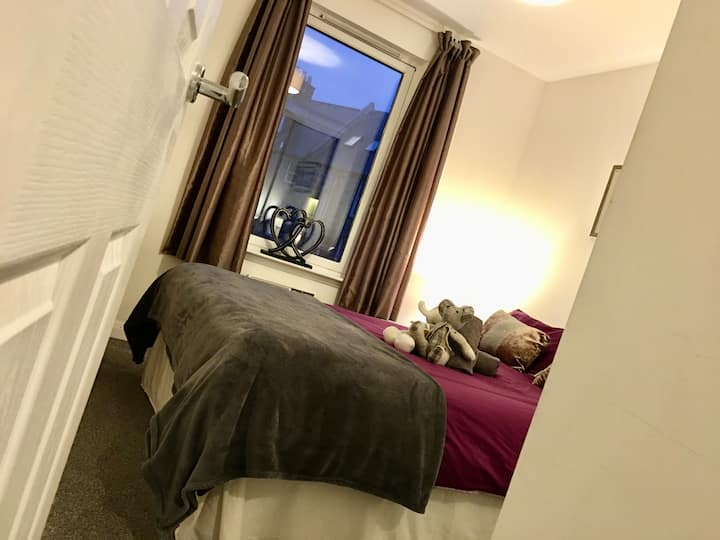 Central 2 Bedroom by Union Square - Free Parking