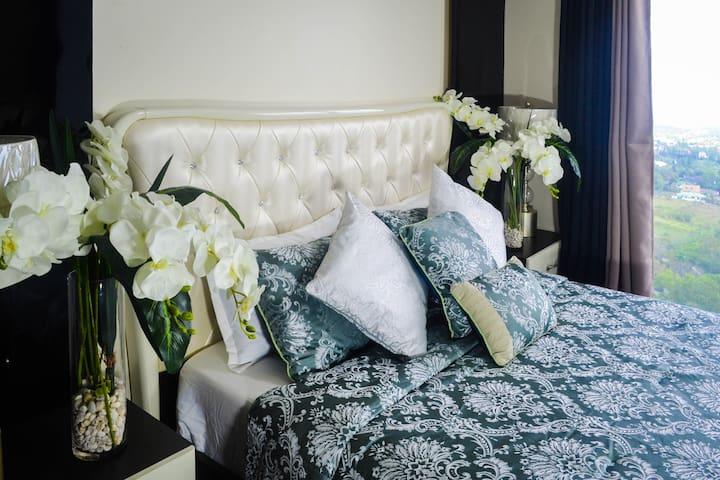 City Escape Tagaytay - Luxury Hotel Like Condo