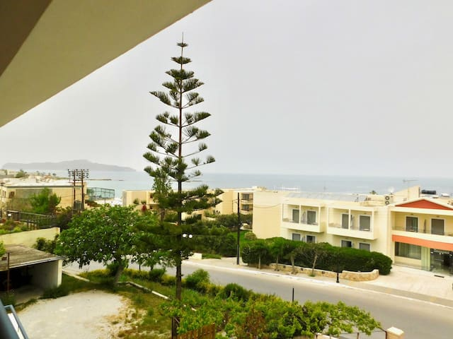 Deluxe Seaview Maisonette, 100m from the beach