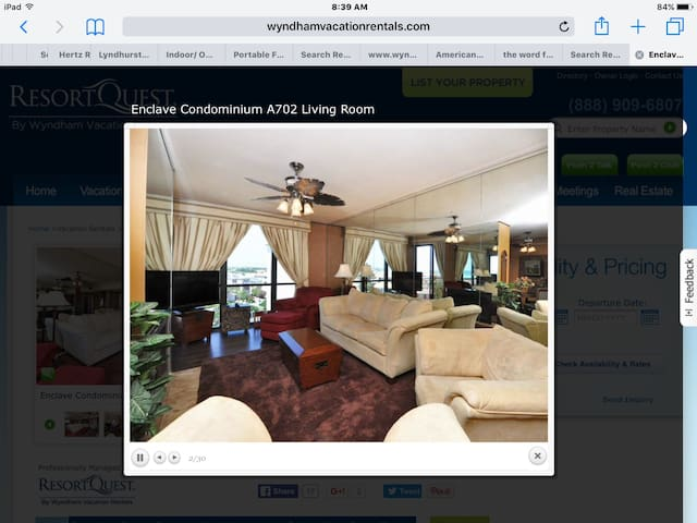 2/2 Penthouse with beautiful Gulf view.