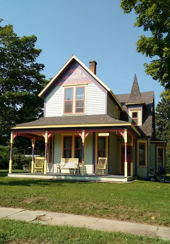 Victorian House near Lake Michigan - Elberta