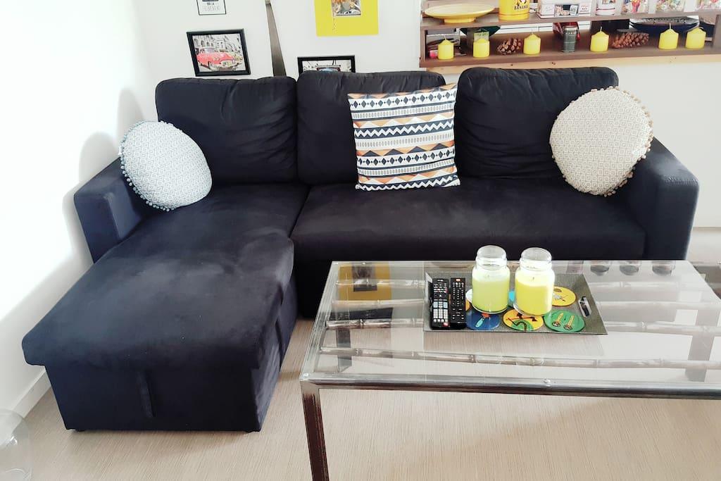 Le canapé d'angle.