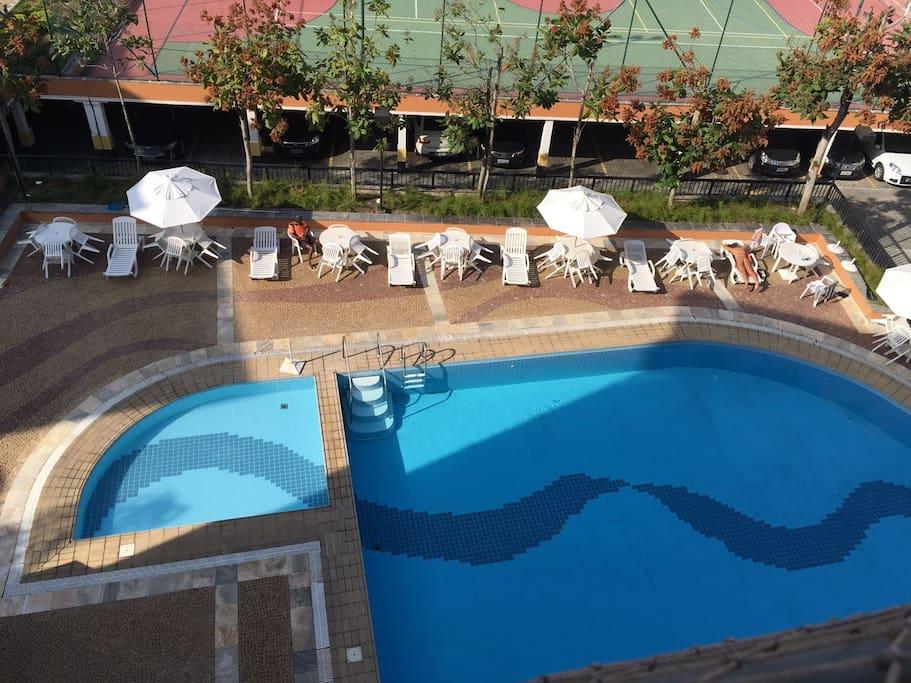 Piscina do condomínio/ Condo's Swimming Pool