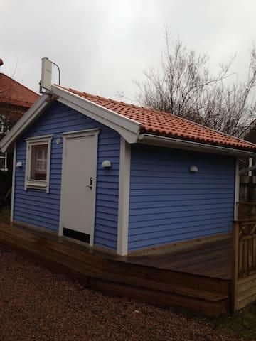 Charming little cabin in Hässleholm! - Hässleholm - Stuga