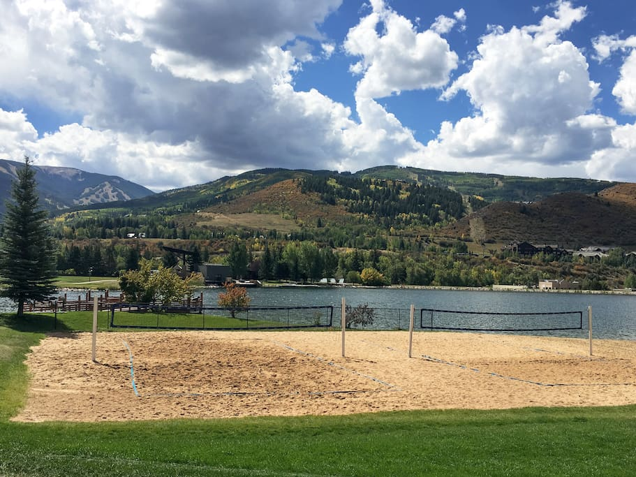 For an action-packed day on the water, walk 5 minutes to Nottingham Lake and enjoy some sand volleyball.