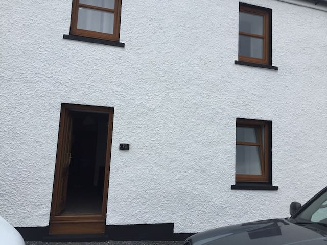 Lower 3 bedroom flat in Bowmore Isle of Islay