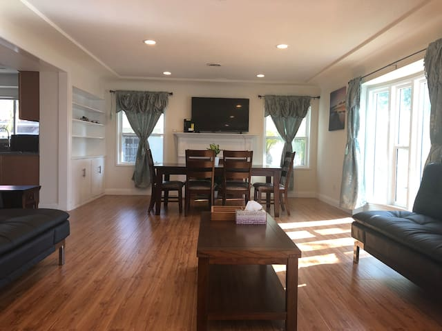 Fully Remodeled Single House Nr DTLA 3Bd 2Ba