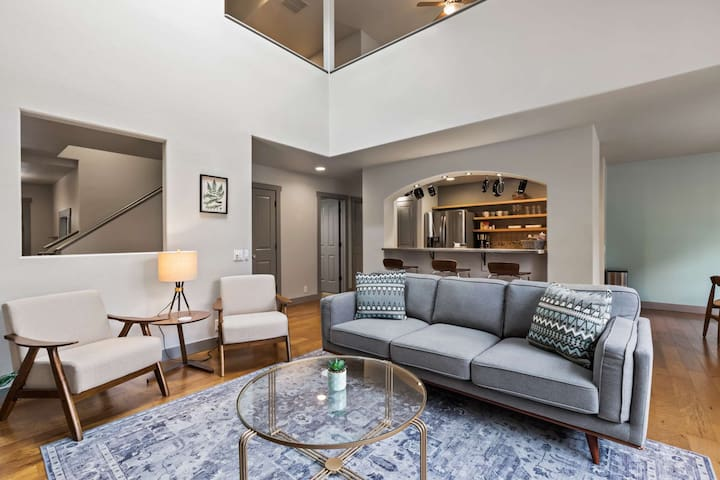 NEW! Townhouse on the Greenbelt