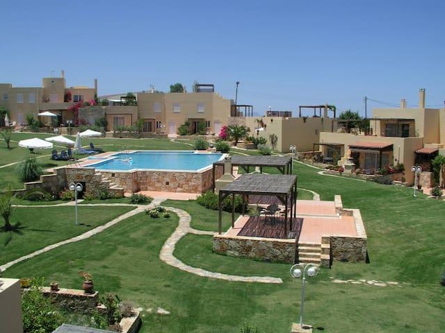 Cozy Garden View Apartment in Rethymno Creta