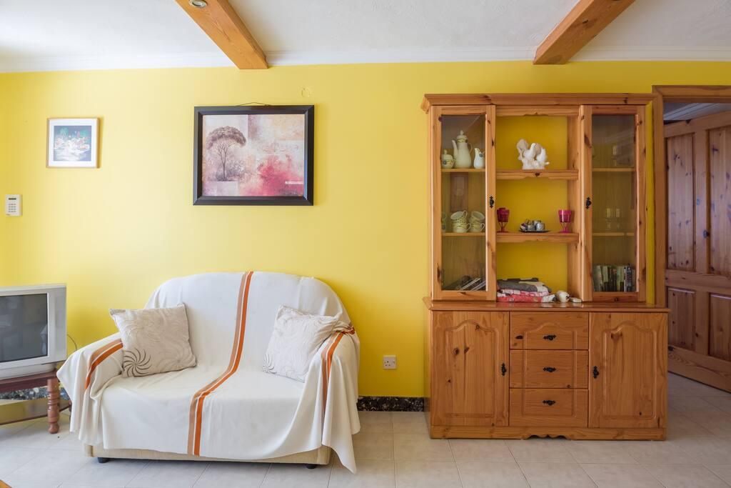 Living room ( 2 bedroom )