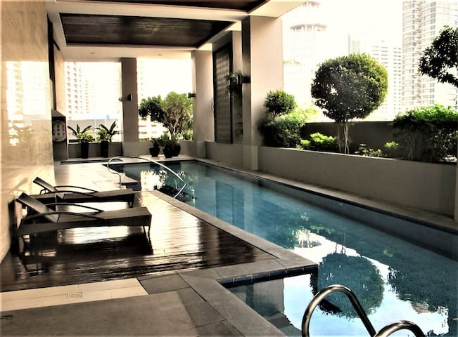Spacious and Cozy Central City Centre Condo - Makati - Apartment