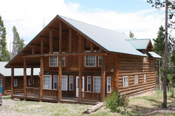 Union Pass Family Adventure - Cracked Noggin Lodge