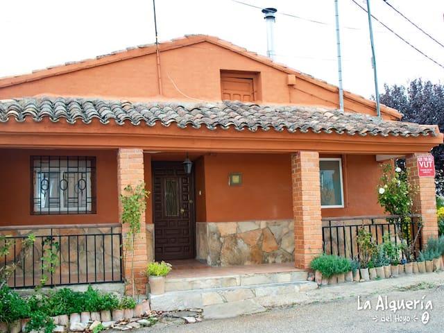 Casa Rural Alquería del Hoyo II ( ideal familias )