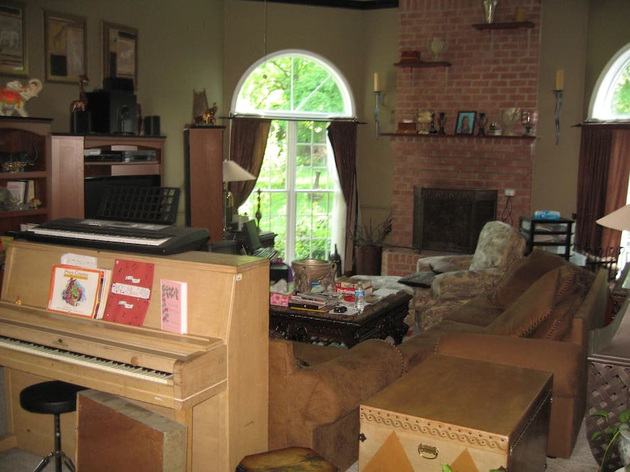 "Great Room with Fireplace, Wii, 50"" Plasma TV, DVD Player, BluRay, Piano, 1000 DVDs"