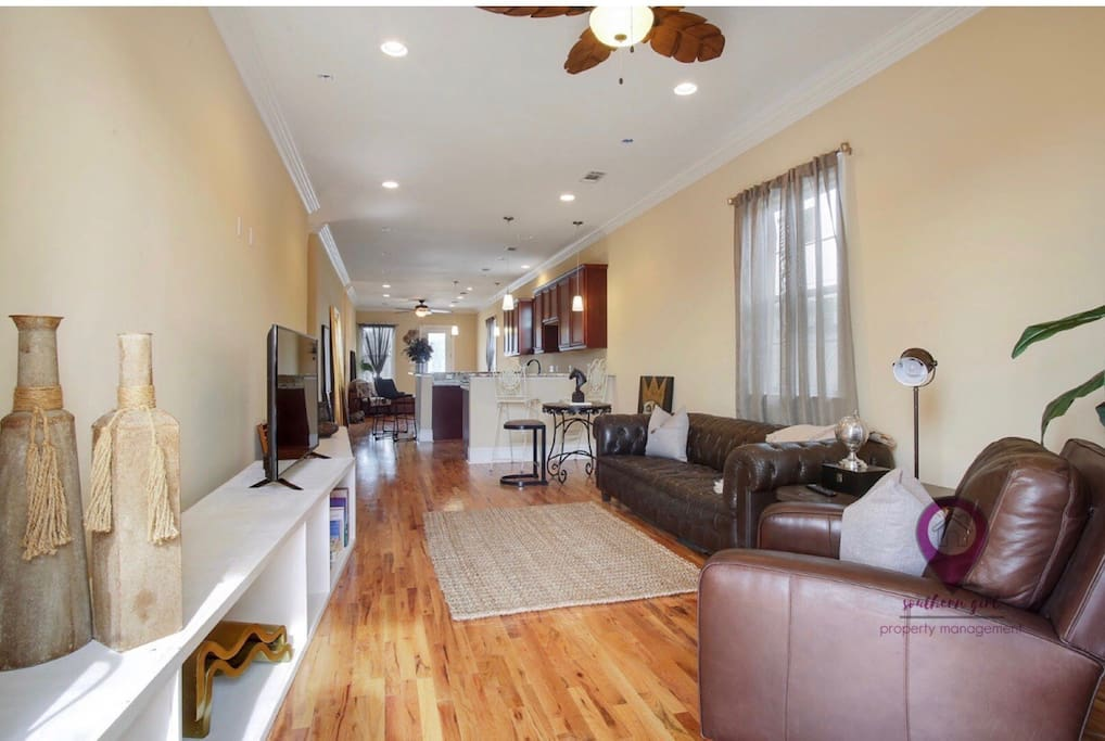 Great 2nd living room space!!