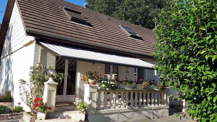 Chambres à l'étage privatisé - Bourg-Achard - Overig