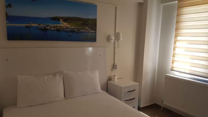 Kıyıköy DESA (Atakale) Çift kişi oda. Double room.